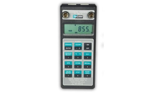 °C & °F Thermometer and temperature calibrator by TEGAM.