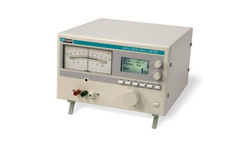 Multi-range analog DC voltmeter/Null Detector